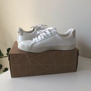 NWB white Esplar Veja sneakers